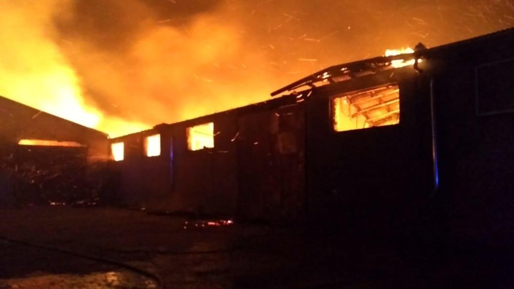 Пожар на территории склада в г. Махачкала
